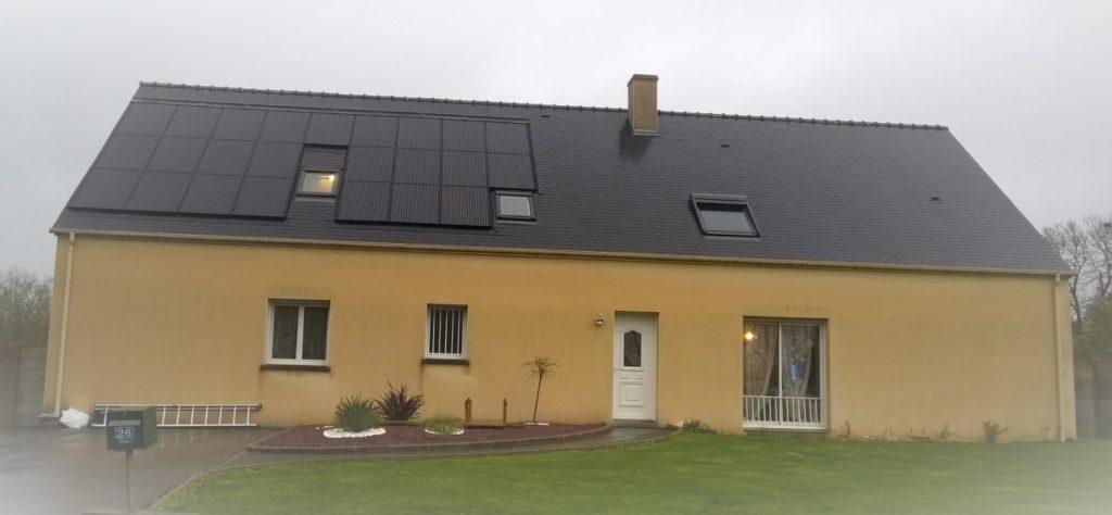 solution aérovoltaique sur toiture ardoise avec velux